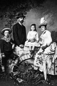 Famille G. Ancely Repro de Mr Frois photographe à Btz