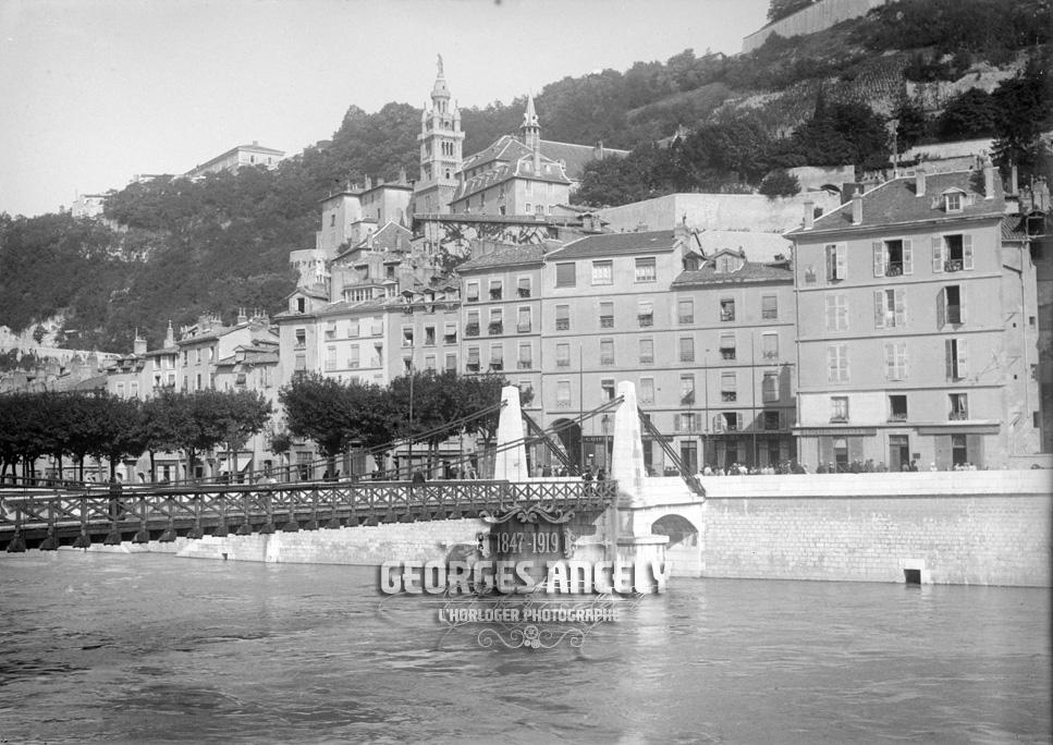 G ancely photographie ancienne le vieux grenoble for Piscine sud les dauphins grenoble