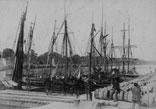 Le Port Au 1er plan R. Ancely garconnet en marin et le Dr Alfred Garipuy