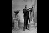 Georges Ancely photographe en pied