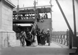 Escalier conduisant au pont