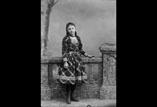 Marthe Ancely en pied