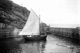 Petite voile au Port des Pêcheurs