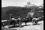Observatoire près du Puy de Dôme Georges Ancely debout