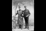 Capitaine Georges Ancely et soldat René Ancely en pied