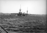 Cuirassés en rade. Croiseur-cuirassé de la classe Amiral Charner