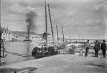 L'entrée d'un vapeur au port du commerce