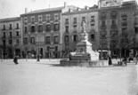 Place de la Constitution Fontaine de Neptune