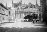 Cathédrale et la Giralda à droite l'Alcazar, à gauche la Bourse