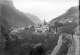 Vue du village de la route de Lautaret