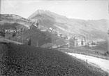 Vue du village prise route de Bourg d'Oisans