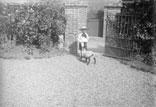 Marcel Lafon et le petit agneau Coquette