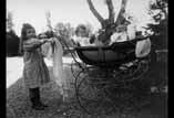 Valentine, Georges Ancely et Marthe Garipuy dans la voiture