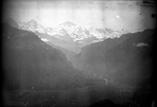 Vue générale de la ville et des sommets de l'Oberland