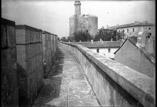 Les remparts Tour de Constance
